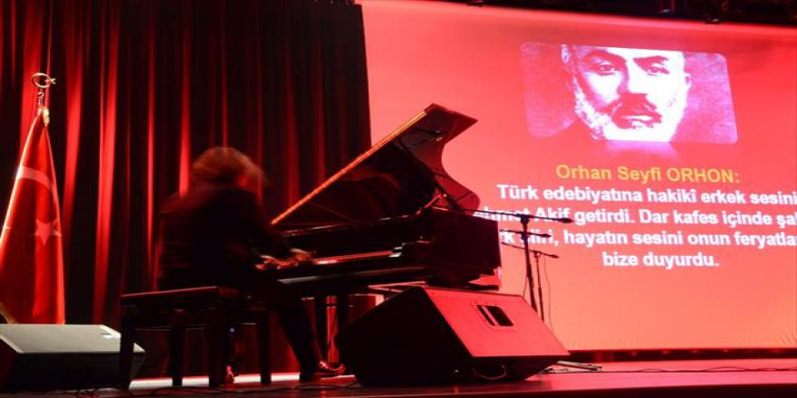 Tuluyhan Uğurlu'dan Mehmet Akif konseri