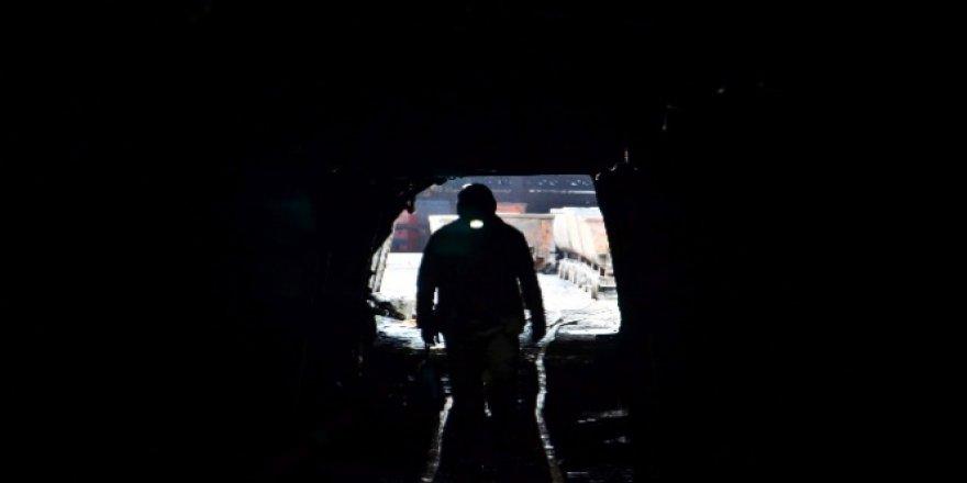 Hindistan'da Kömür Madeninde Göçük: 5 Ölü, 40 Kişi Mahsur