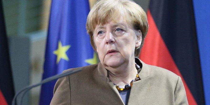 Almanya Başbakanı Merkel'den İstanbul AÇIKLAMASI