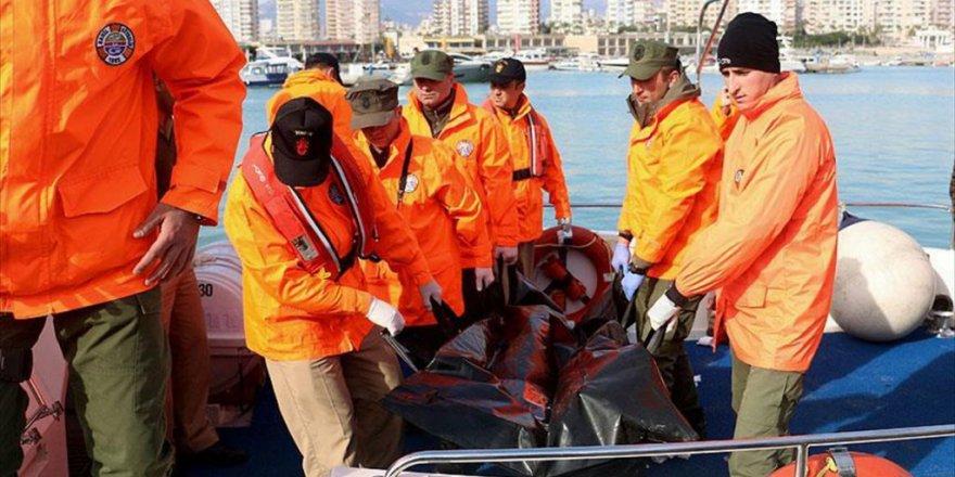 Mersin'deki Selde Denize Düşen Gencin Cesedi Bulundu