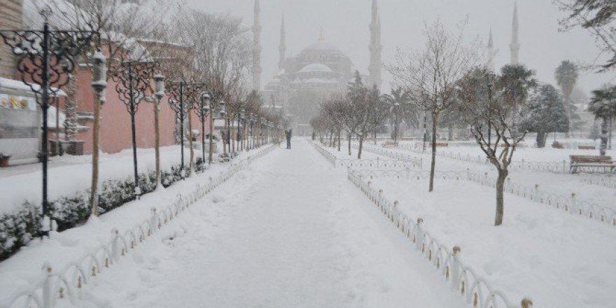 Sultanahmet'te Kartpostallık Görüntüler