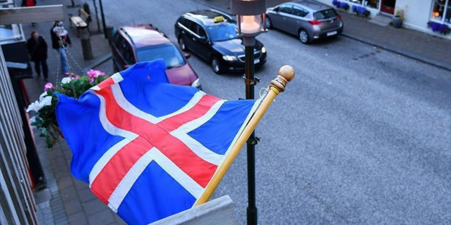 İzlanda'da Yeni Hükümet Kuruldu