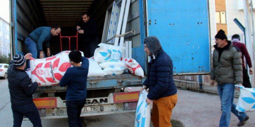 Samsun'da KYK Öğrencilerinden Halep'e 1 Tır Dolusu Yardım