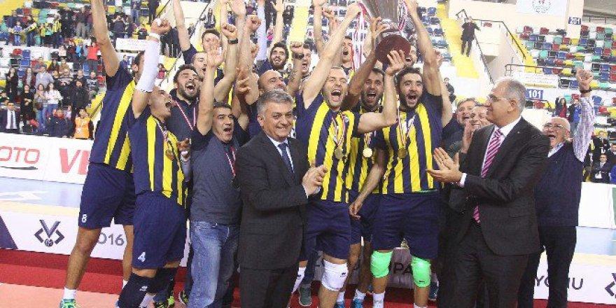 Erkekler Kupa Voley'de Şampiyon Fenerbahçe