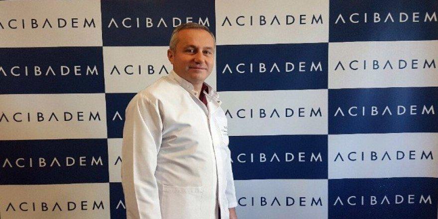 Uzmanı Dr. Mahmut Özyılmaz: ''Göğüs Estetiğinin Emzirmeye Zararı Yok''