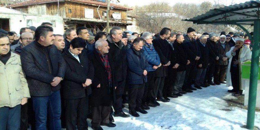 Bolu İl Genel Meclis Başkanı Yaşar Yüceer'in Babası Mevlüt Yüceer Vefat Etti