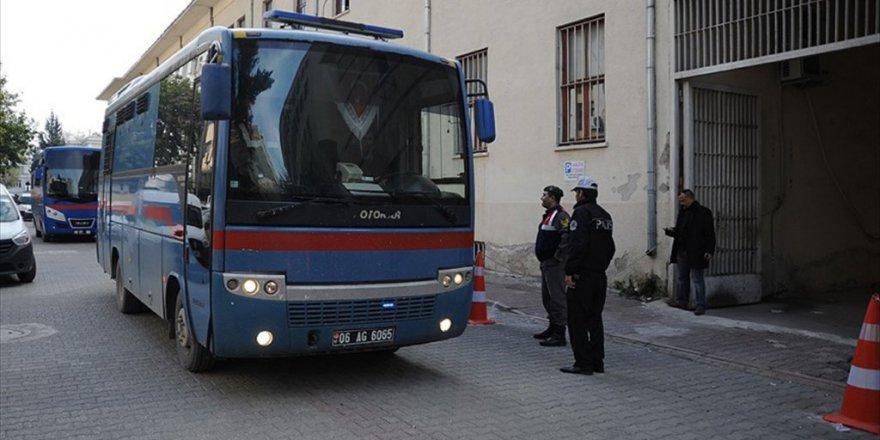 Adana'da FETÖ'den 5 Eski Subaya Ağırlaştırılmış Müebbet Hapis