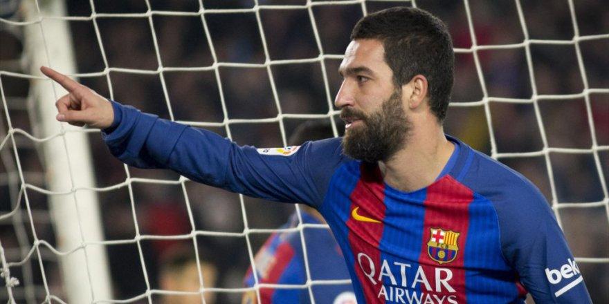 Arda Turan Barça'nın 'Üç Diş'e Dahil Oldu