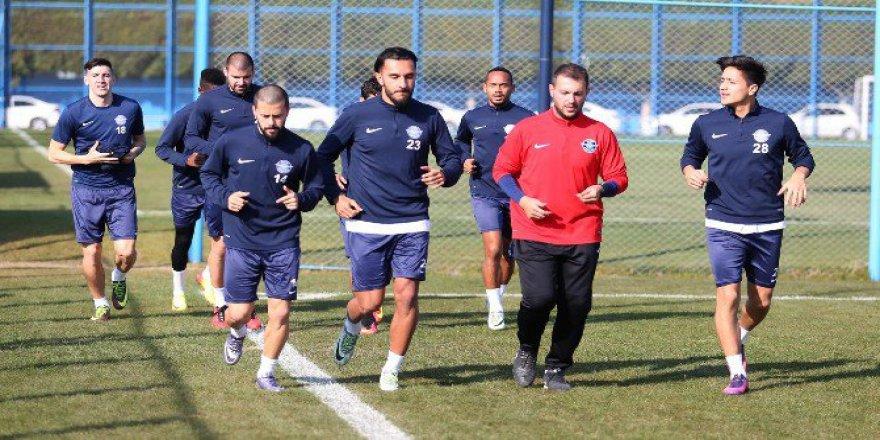 Adana Demirspor Çalışmalarını Sürdürüyor