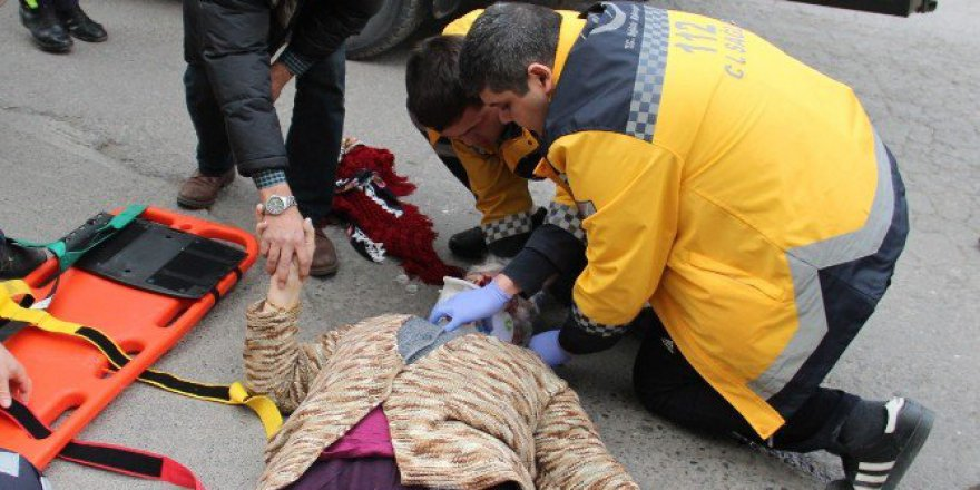 Ereğli'de Öğrenci Servisi Yaşlı Kadına Çarptı