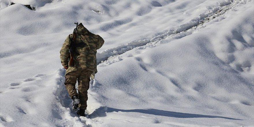 Bitlis, Hizan'da 19 Muhtar ve 40 Korucu Görevden Uzaklaştırıldı
