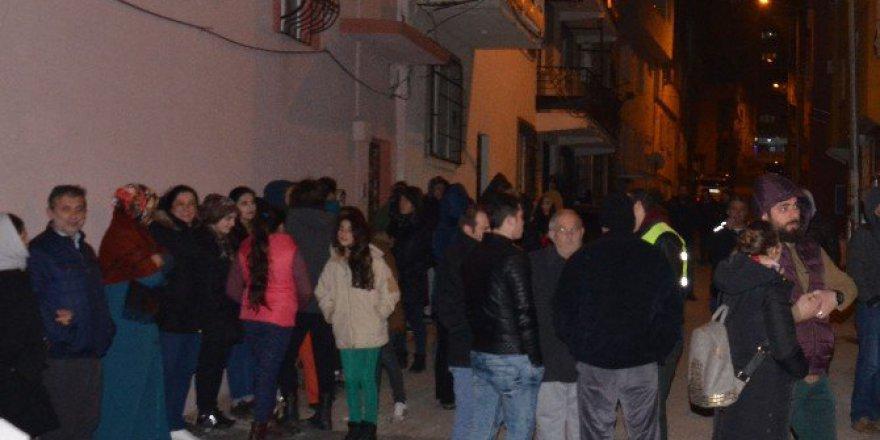 Bursa, Esenevler Mahallesi Sakinlerinden Baz İstasyonu Tepkisi