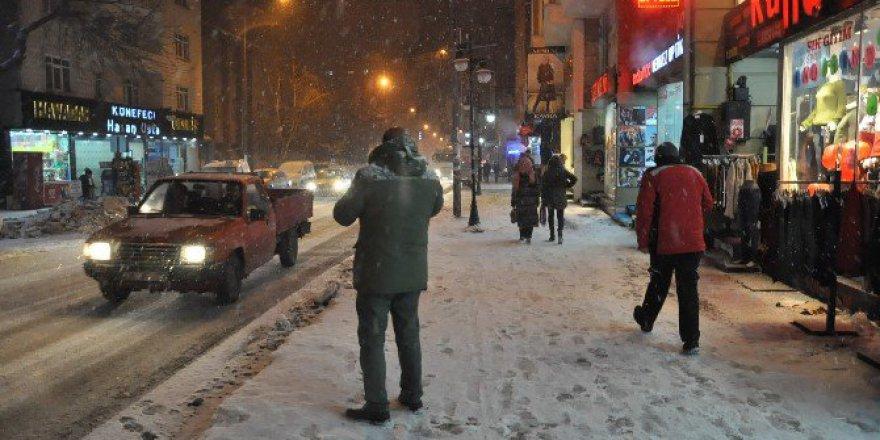 Kars Akşamüzeri Yeniden Beyaza Büründü