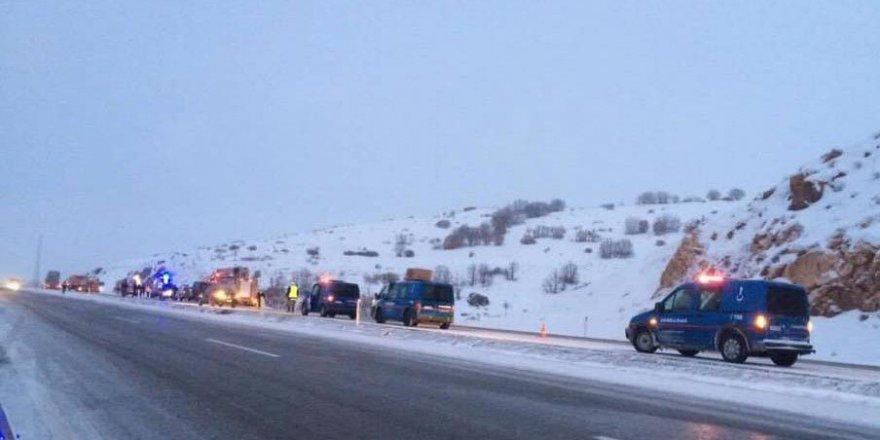 Kayseri, Pınarbaşı'nda Yolcu Otobüsü Devrildi: 21 Yaralı