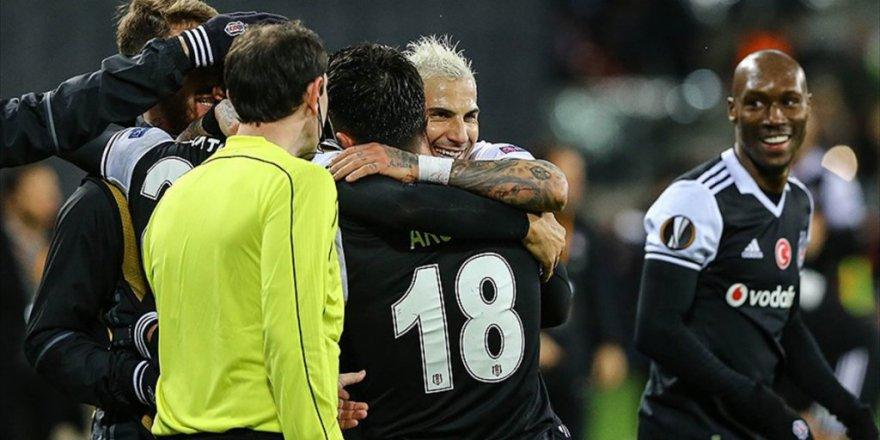 Beşiktaş Tur İçin Avantaj Sağladı