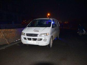 Mevlana Mahallesi Aşağı Bakırpınar Sokak'ta, Minibüs İle Motosiklet Çarpıştı: 1 Yaralı