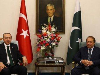 Erdoğan İslamabad'da Pakistan Başbakanı Navaz Şerif'i Kabul Etti