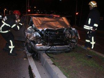 Bodrum'da Yolcu Minibüsü İle Otomobil Çarpıştı: 2 Yaralı