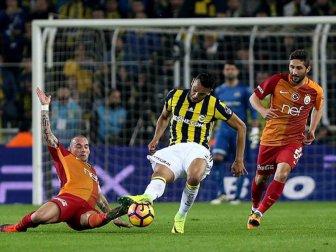 Galatasaray-Fenerbahçe Derbisi  23 Nisan Pazar Günü Oynanacak