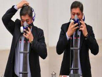 CHP'li Murat Emir'den Meclis Kürsüsünde Maskeli Eylem