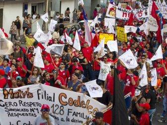 Şili Antofagasta'daki Dünyanın En Büyük Bakır Madeni Çalışanları 21 Gündür Grevde