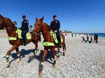 Antalya Sahillerinin Güvenliği 'Atlı Polislere' Emanet