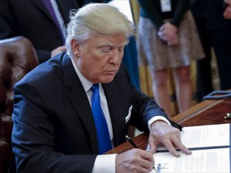 Trump, Vize Yasağı Getiren Düzenlemeyi İmzaladı