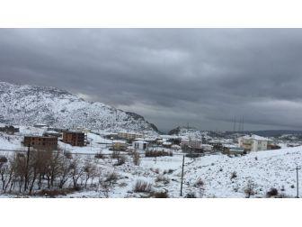 Sincik İlçesi Baharı Beklerken Kış Geldi