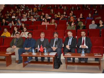 Çomü'de Mehmet Akif Ersoy Ve Eseri Konulu Konferans Düzenlendi