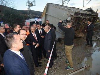 Bakan Elvan, Demiryolunda Meydana Gelen Kaza Yerinde İnceleme Yaptı