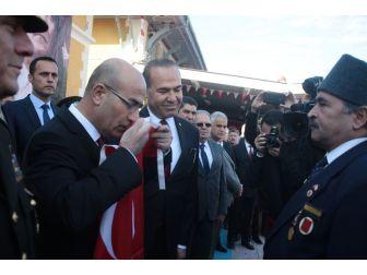Atatürk'ün Adana'ya Gelişi Canlandırıldı