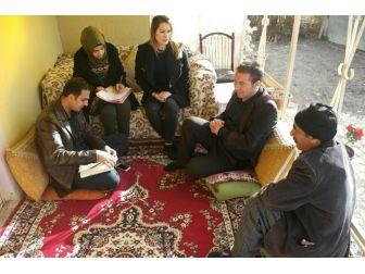 Edremit Belediyesinin Ev Ziyaretleri Devam Ediyor
