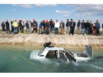 Sürücüsü Kalp Krizi Geçiren Otomobil Sulama Kanalına Uçtu