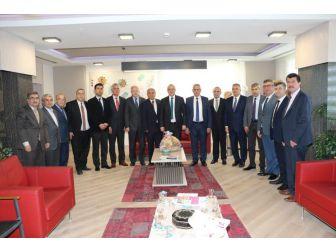 Başkan Ergün, Akhisarlı Oda Başkanlarına Projeleri Anlattı