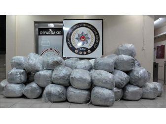 Diyarbakır'da Bir Ayda 2,7 Ton Uyuşturucu Ele Geçirildi