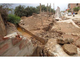 Peru'da Sel 62 Kişinin Ölümüne 12 Bin Evin Yıkılmasına Yol Açtı