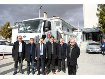 Türkiye Belediyeler Birliği Darende Belediyesine Kamyon Hediye Etti