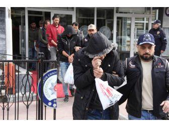 Deaş'tan Gözaltına Alınan 10 Kişi Adliyede