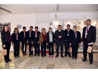 Engel Tanımayan Öğrencilerden Başkan Yücel'e Ziyaret