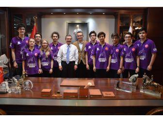 Genç Mucitler Başkan Ataç'ı Ziyaret Etti