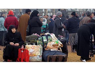 Suriye Rejiminin Kuşattığı Vaer İlçesinde Tahliyeler Başladı