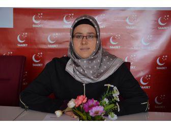 """Saadet Partisi Uşak Kadın Gençlik Kolları Teşkilat Başkanı Nasibe Dincel ; """"Çanakkale, İslam Kardeşliği Ve İslam Birliği'nin Zaferidir"""""""