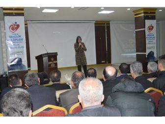 Şırnak'ta 'Yeniden Büyük Türkiye Gençlik Buluşması' Konferansı
