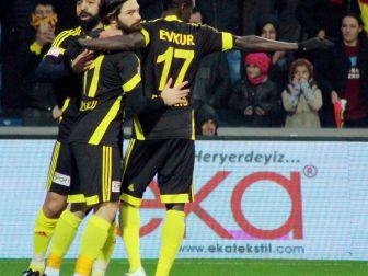Evkur Yeni Malatyaspor Camiası Şampiyonluk İçin Kenetlendi
