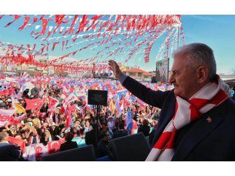 """Başbakan Yıldırım: """"Bir Türkiye'yi Üç Türkiye Yaptık"""""""