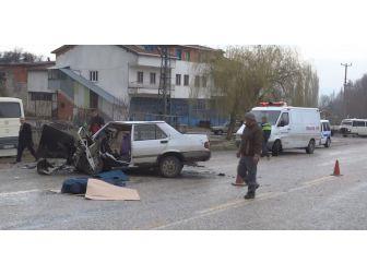 Domaniç'te Trafik Kazası: 1 Ölü 13 Yaralı