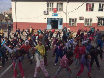 Adıyaman'da Tüm Öğrenciler Derse Spor Yaparak Başladı