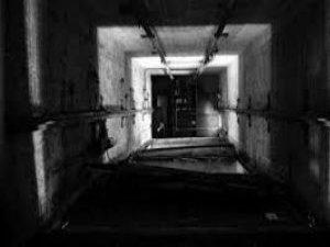 Adıyaman'da 17 Yaşındaki Kız Öğrenci Yurdun 4. Katından Düştü