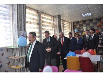 Bağışlarla Oluşturulan Kütüphane Hizmete Açıldı