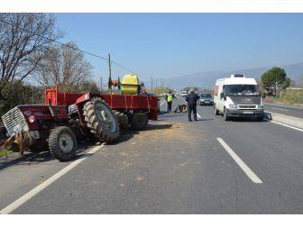 Aydın'da Ambulans Traktörle Çarpıştı: 3 Yaralı